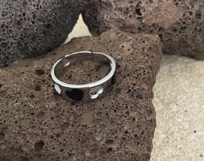 טבעת זהב חישוק לבבות שחורים, טבעת חישוק עדינה, stainless steel ring, טבעת מעצבים ציפוי זהב, טבעת ניתנת להרחבה,Nickel free