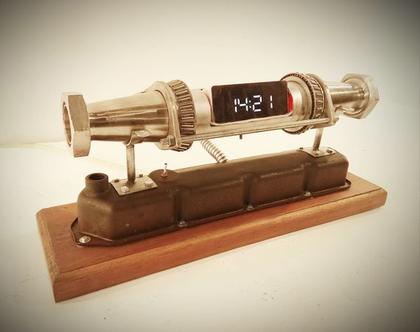 שעון דיגיטלי עיצוב תעשייתי