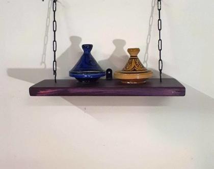 מדף נוי מעוצב מעץ ותלוי בשרשרת ברזל --בגווני סגול, מדף מעוצב, מדפי עץ, מדף מעץ ממוחזר, עץ וברזל