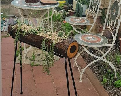 אדנית מעץ טבעי על סטנד ברזל-עץ וברזל