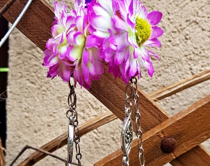עגילים תלויים, פרח סגול