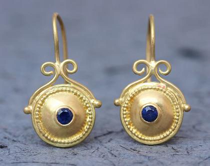 עגילי זהב וספיר, עגילי זהב אמיתי, עגילי ספיר, עגילים מיוחדים, עגילי זהב מעוצבים, עגילי זהב עבודת יד, עגילי זהב ארוכים, עגילי זהב עגולים