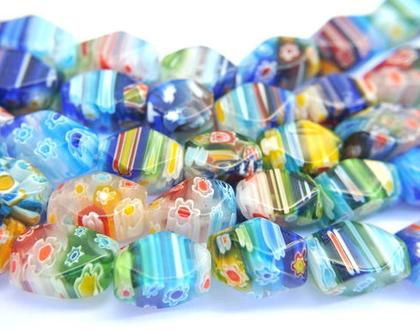 """חרוזי זכוכית בצבעים שונים עם שילוב פרחים, חרוזים בגודל 14X10 מ""""מ"""