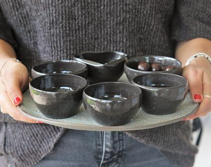 צלחת פסח חגיגית | צלחת עוגה | צלחת הגשה | צלחת קרמיקה | מתנה לחג פסח | צלחת שחור לבן