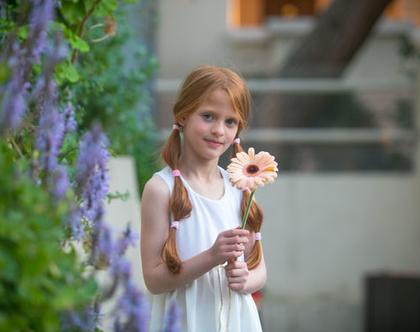 שמלה חגיגית לבנה .שמלת שרית חגיגית,מסתובבת