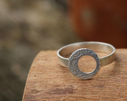 טבעת עדינה מכסף 925 סטרלינג עם דוגמת ספירלה / R-93