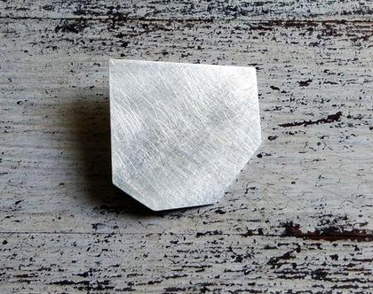 Silver shemesh brooch