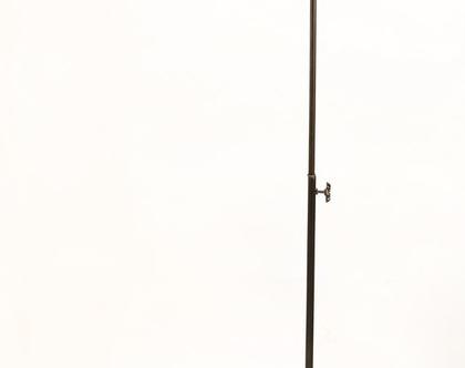 מנורה עומדת אקורדיון