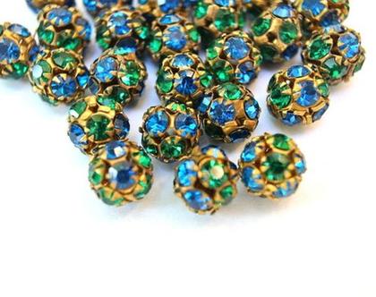"""2 חרוזי סוורובסקי, קריסטלים בגוונים כחול ירוק משובצים בכדור מתכת בגודל 11 מ""""מ, חרוזי וינטג'"""