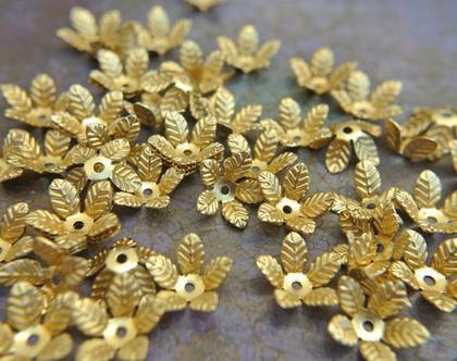 """חרוזי פרחים ממתכת חרוזי וינטג'-cup beads- לקישוט חרוזים- 16 פרחים, גודל 10מ""""מ גובה 4.5 מ""""מ"""