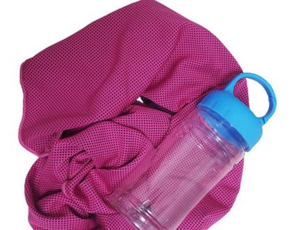 מגבת דרייפיט, מכון כושר, ספורט, מתנה לאישה, מגבת ספורט פוקסיה