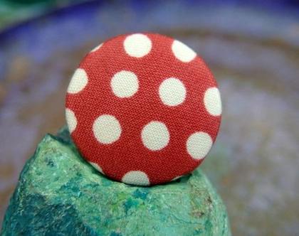 """כפתורים עבודת יד מבד כותנה אדום עם נקודות בצבע קרם, כפתורי בד כותנה 32 מ""""מ, שישה כפתורים"""