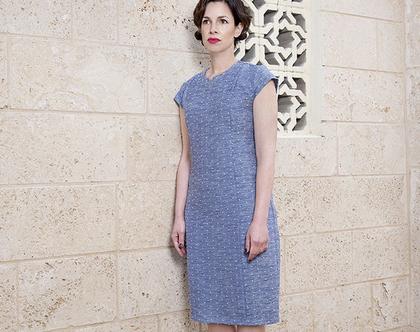 שמלה בגיזרה קלאסית אלגנטית כחולה