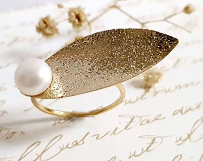 טבעת פנינה לבנה, טבעת מרקיזה זהב עם פנינה, טבעת פנינה מעוצבת, טבעת מתנה לאישה, תכשיטים מעוצבים לאישה