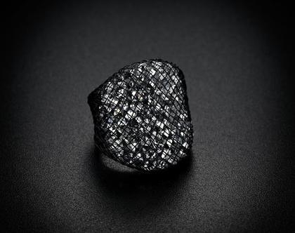 טבעת שחורה מארג קריסטלים סברובסקי יהלום