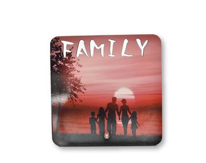 תמונה על עץ| תמונה משפחתית| מסגרת| מתנה אישית| הדפסה על עץ| מתנה לבית|משלוח חינם|