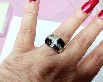 טבעת קוקטייל כסף בציפוי רודיום בשיבוץ אוניקס וצידפה מידה 8