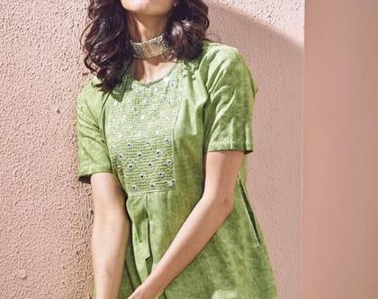 שמלת ירוקה