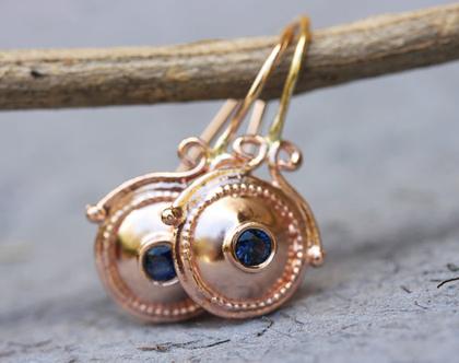 עגילי זהב אדום, עגילים לכלה, עגילי ספיר, עגילים עם אבן כחולה, עגילי זהב מעוצבים, עגילי זהב תלויים, עגילי זהב ארוכים, אבן חודש ספטמבר