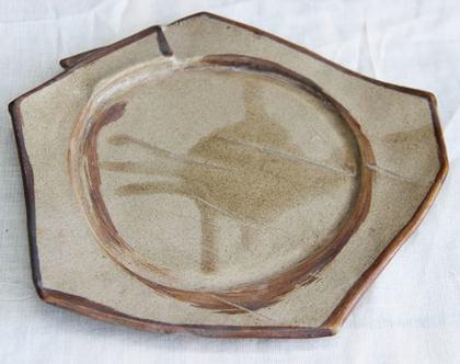 צלחת הגשה מעוצבת - קרמיקה עבודת יד