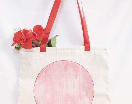 תיק בד עם ציור אדום נוצץ בעבודת יד