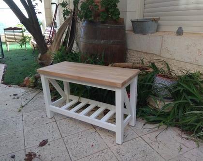ספסל מעץ אורן בשילוב מושב בוצ'ר אלון