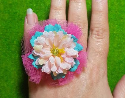 טבעת פרח ענק, דפנה