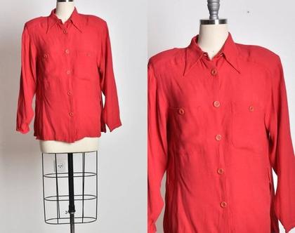 חולצה מכופתרת אדומה, חולצה קלאסית, חולצת וינטג', מידה M, חולצה עם צווארון, מתנה