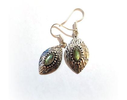 עגיל עלה כסף ואבן לברדורייט ירוקה במראה עתיק // תכשיטים מיוחדים