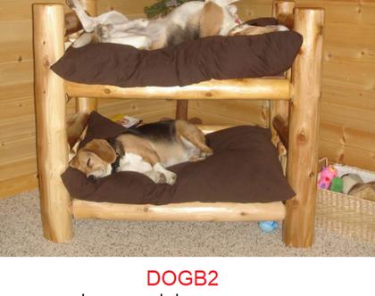 מיטת קומתיים לכלבים מעץ מלא