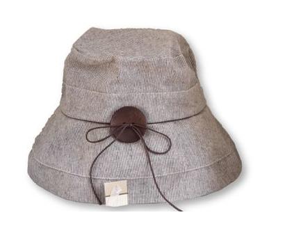 כובע בז' חום עם פסים לבנבנים| כובע נשים| כובע כותנה