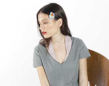 חולצת קיץ אפורה עם שרוול קצר וצוארון צבעוני