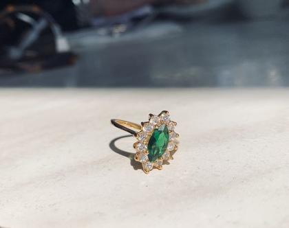 טבעת משובצת  טבעת זירקונים  אבן ירוקה  מצופה בזהב  טבעת וינטאג׳  טבעת דומיננטית