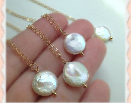 שרשרת זהב ופנינה לבנה - תליון פנינה לבנה
