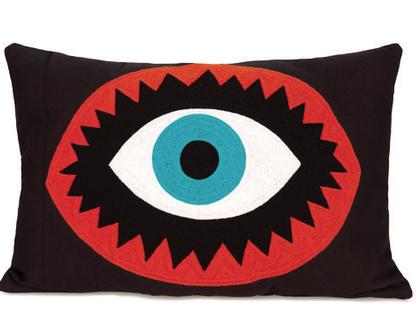 SOFI | KITSCH KITCHEN כרית עין רקומה שחורה