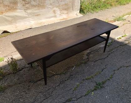 שולחן סלון סקנדינבי גדול (לפני חידוש)