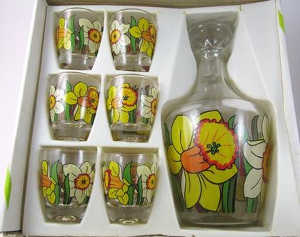סט וינטג' של 6 כוסות ודקנטר מזכוכית לשתיית ליקר בעיצוב נרקיסים