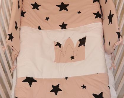 """סט מצעים למיטת תינוקת דגם """"עטרה"""". ניתן לקבל גם כסט עריסה, מבית הני דויטש, מיוצר בישראל"""