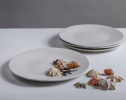 סט של 4 צלחות גדולות מקרמיקה בצבע לבן