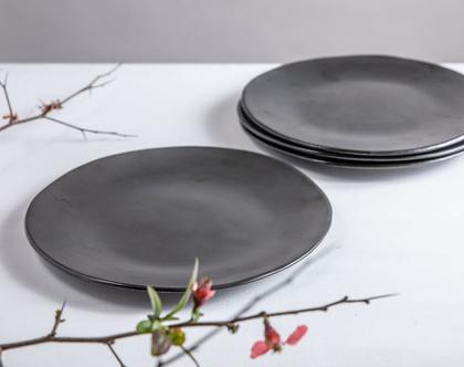 סט של 4 צלחות גדולות מקרמיקה בצבע שחור