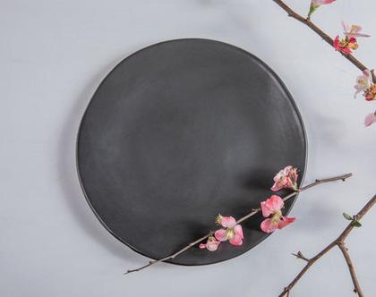 צלחת גדולה מקרמיקה בצבע שחור | צלחת עבודת יד