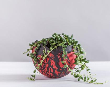 עציץ כדורי מעוצב גדול מקרמיקה בצבע אדום-שחור   מעמד לנר  