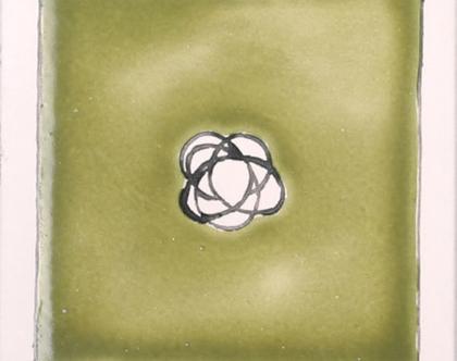 אריחים מצוירים בעבודת יד בצבע ירוק לבן