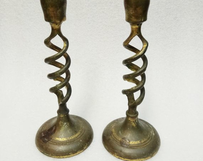 פמוטים מעוצבים ישנים מאוד לנרות שבת עשויים פליז / נחושת נרות שבת יודאיקה