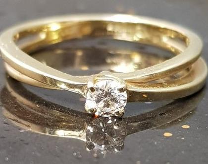 טבעת זהב צהוב 14 קראט קלאסית דגם אינדיאנה