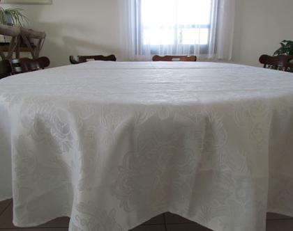 מפה עגולה לבנה מהודרת, מפה חגיגית לשולחן האוכל, מפת שולחן, מתנה לחג, מתנה לבית