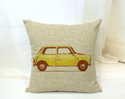 כרית נוי - מכונית רטרו צהובה