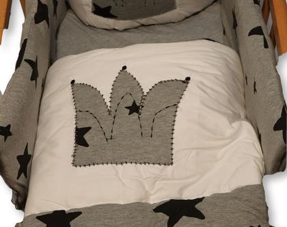 """סט מצעים לעריסת תינוק דגם """"שביט"""". ניתן לקבל גם כסט מיטה (במחיר סטים למיטה באתר), מבית הני דויטש, מיוצר בישראל"""