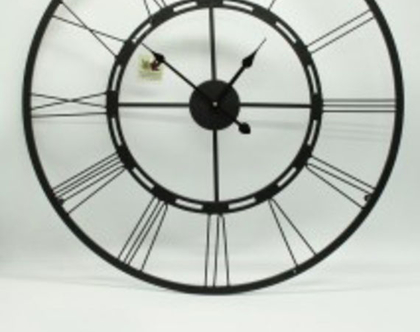 """שעון שחור 60 ס""""מ 80 ס""""מ"""