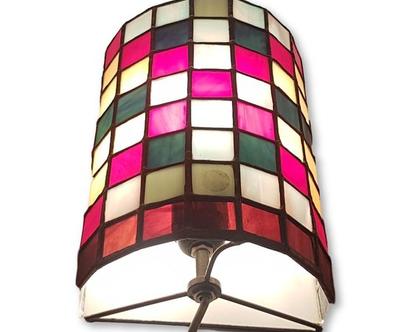 מנורת ויטראז' חצי עגולה.